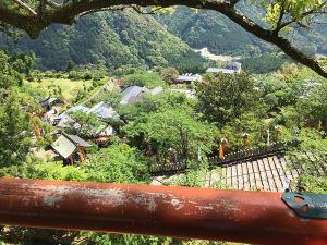 27青岸渡寺の門前町