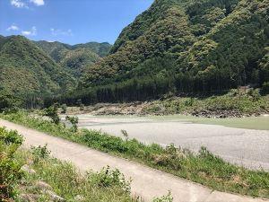31熊野川河原