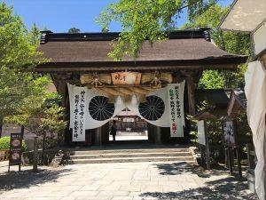 34熊野本宮大社拝殿への門